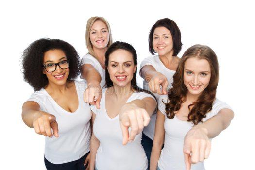 grupo-de-mulheres-felizes